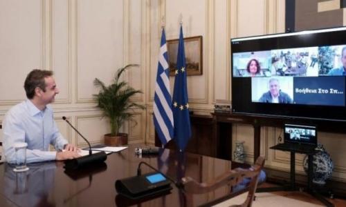 Τα δίνει όλα για τον Κάρναβο ο Μητσοτάκης. Έχει από το Μαξίμου τη μεγαλύτερη στήριξη απ' όλους τους δημάρχους