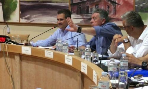Κάρναβος: Δεν θα υποχωρήσουμε στη μαρίνα - Κάνουμε το καθήκον μας για να έχει ο δήμος έσοδα